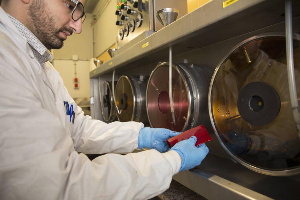 Investigadors del Campus Igualada-UdL fan més sostenible el procés d'adobar pells